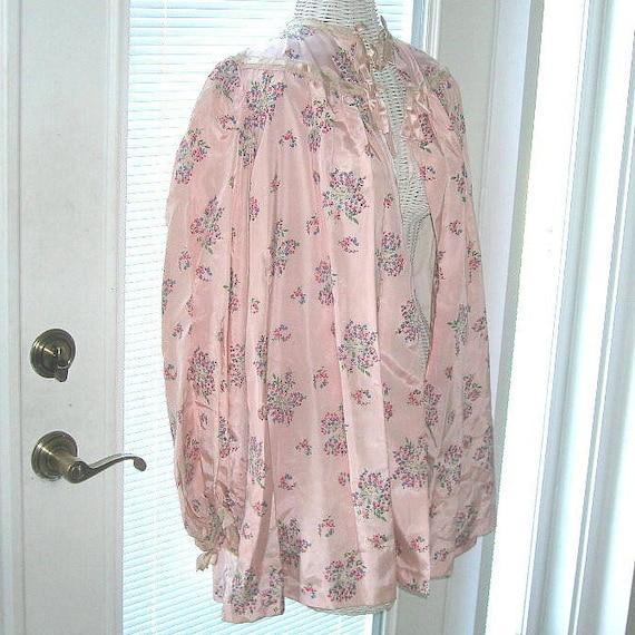 Vintage 40s Satin Taffeta Bed Jacket Floral Satin… - image 4