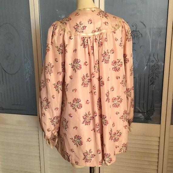 Vintage 40s Satin Taffeta Bed Jacket Floral Satin… - image 8