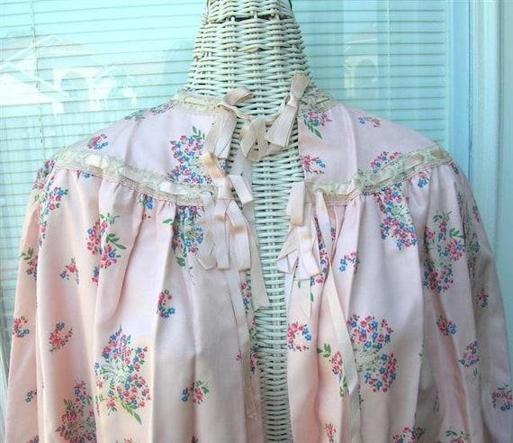 Vintage 40s Satin Taffeta Bed Jacket Floral Satin… - image 2