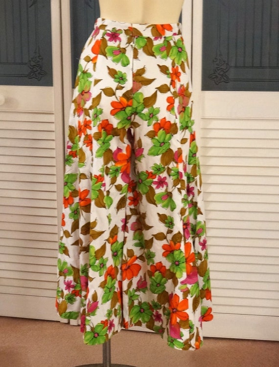70s Hippie High Waist Flower Power Palazzo Pants - image 5