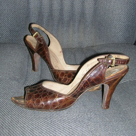 Vintage 40s LAPATTI Alligator Slingback Shoes Sand