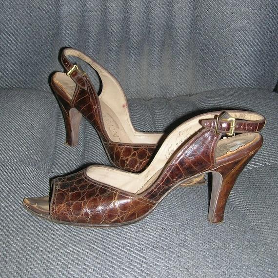 Vintage 40s LAPATTI Alligator Slingback Shoes San… - image 1
