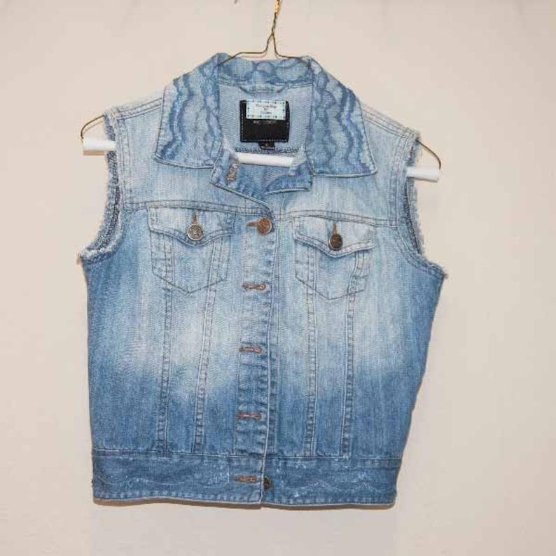 Ladies S Denim Vest with Blue Lace on Collar /& Front Waist