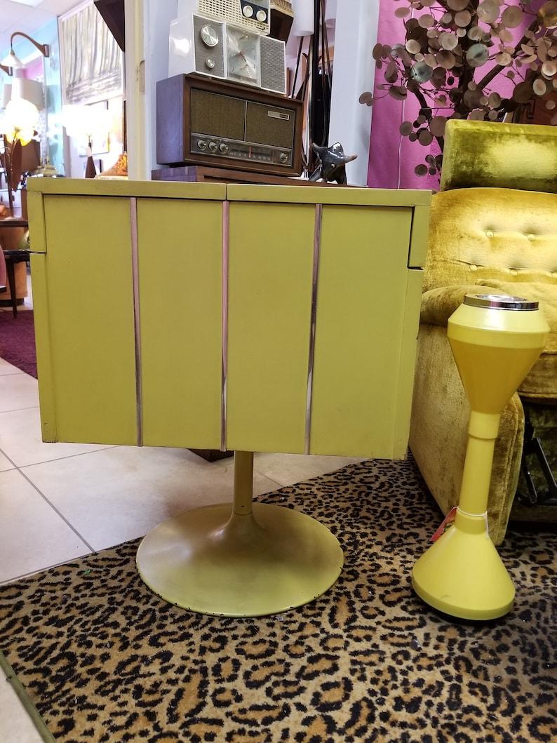 Mid Century Modern  Swivel Bar  On Pedestal Vintage 1960's image 0