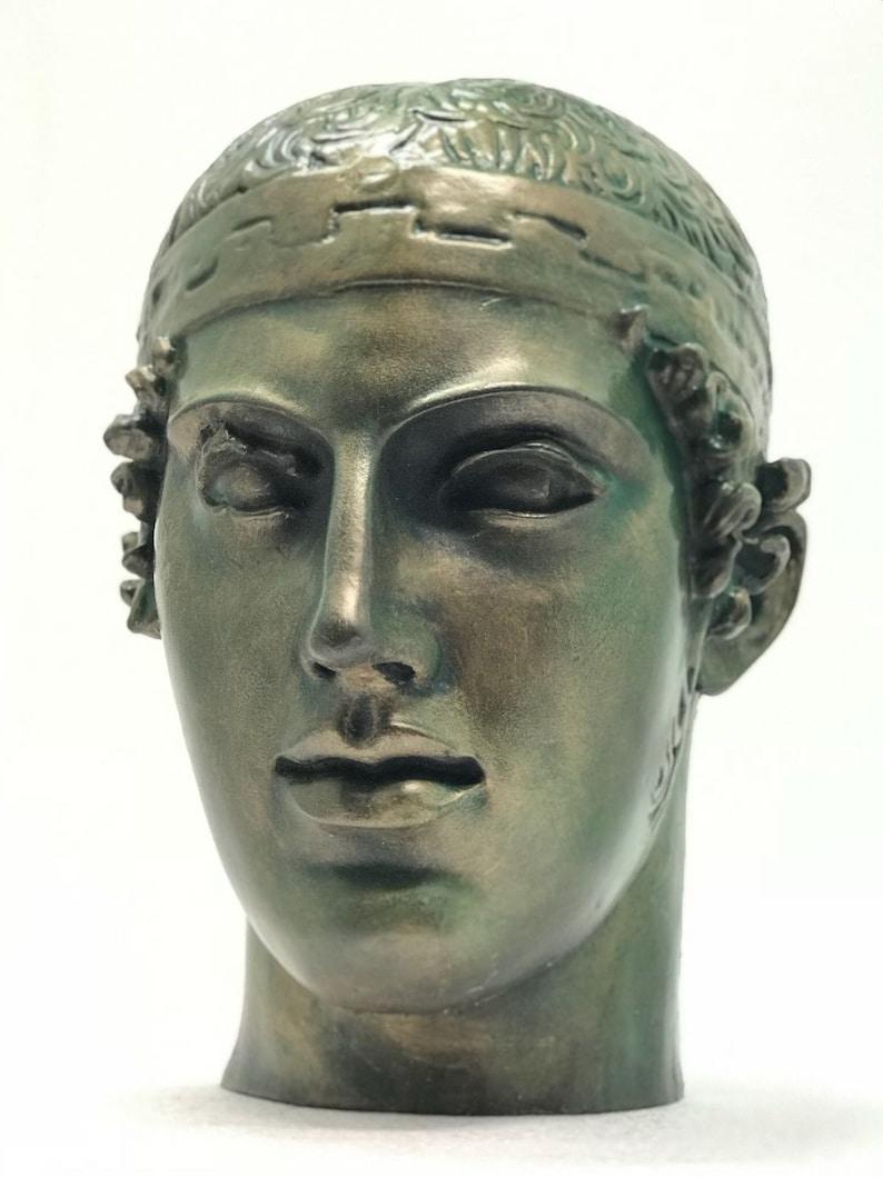 Charioteer of Delphi image 0