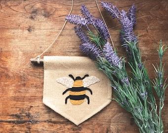 Primitive Rustic BURLAP BEE BANNER