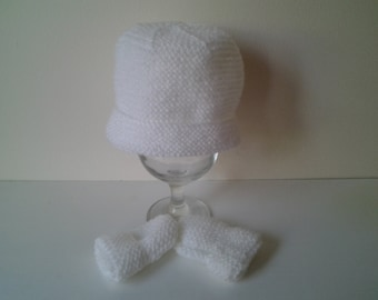 crochet baby mittens, hat and mittens, crochet  mittens, crochet baby hat, newborn hat, baby beanie hat  ready to ship