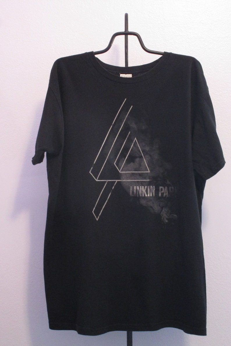 Linkin Park Shirt. Vintage T-shirt. Graphic Tee. Top. X-Large  6fbebccb9f82