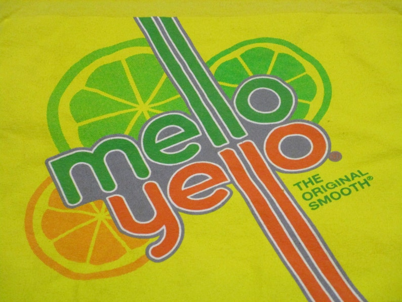 Mello Yello Shirt. Vintage T-shirt. Graphic Tee. Top. Retro  b9780d880