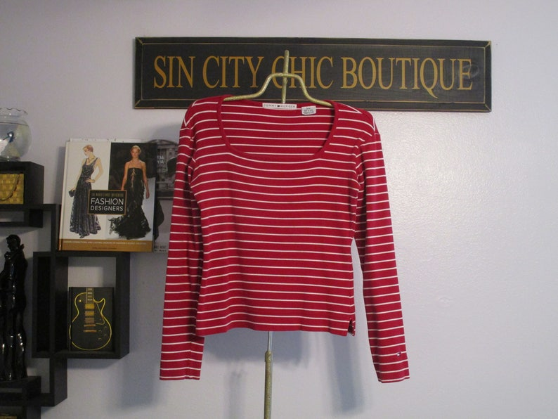 Long Sleeve Ribbed Medium Vintage Top Warm Women/'s Shirt Vintage Tommy Hilfiger Urban Preppy Chic. Bright Red /& White Striped Blouse