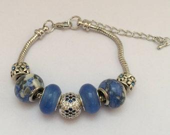 Bracelet charm's blue with Pearl rhinestone ref 804