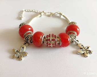 Red charm's bracelet with flowers ref 504