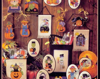 20 Quick Halloween Motifs Vintage Cross Stitch Pattern Small Motif Ghost Skeleton Witch Pumpkin Spider Gift Idea Instant Download PDF - 3953
