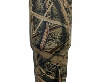 6d80170e635 Mossy Oak Shadowgrass Blades Tumbler