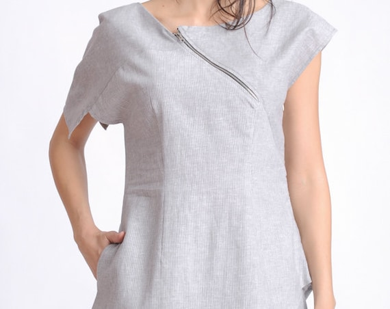 Asymmetric Linen Tunic/Short Sleeve Casual Top/Light Grey Blouse with One Pocket/Side Hidden Zipper Tunic Top/Loose Summer Top METT0134