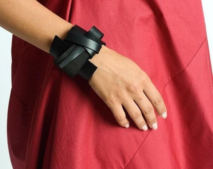 SALE Black Genuine Leather Bracelet/Extravagant Black Bracelet/Unisex Asymmetric Leather Accessory/Snap Closure Bracelet/Black Wristband