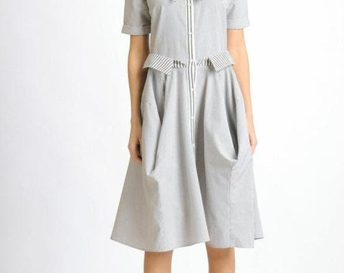 SALE NEW Loose Short Sleeve Dress/White and Grey Stripe Dress/Casual Everyday Dress/Knee Length Oversize Tunic/Extravagant Collar Button Dre