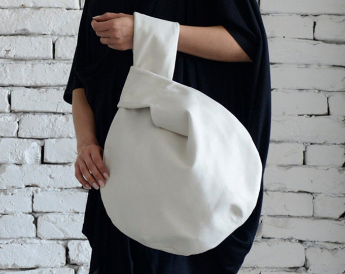 White Circle Bag/Extravagant Avantgarde White Tote/Designer Modern Hand Clutch/Fancy White Handbag/Handmade White Bag/Tote Bag/Mini Bag
