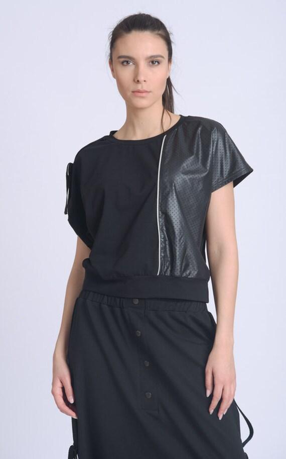 NEW Extravagant Short Sleeve Top/Women Tee Top/Summer Casual Shirt/Black Round Neck Top/Comfortable Everyday Blouse/Black T-Shirt METT0161