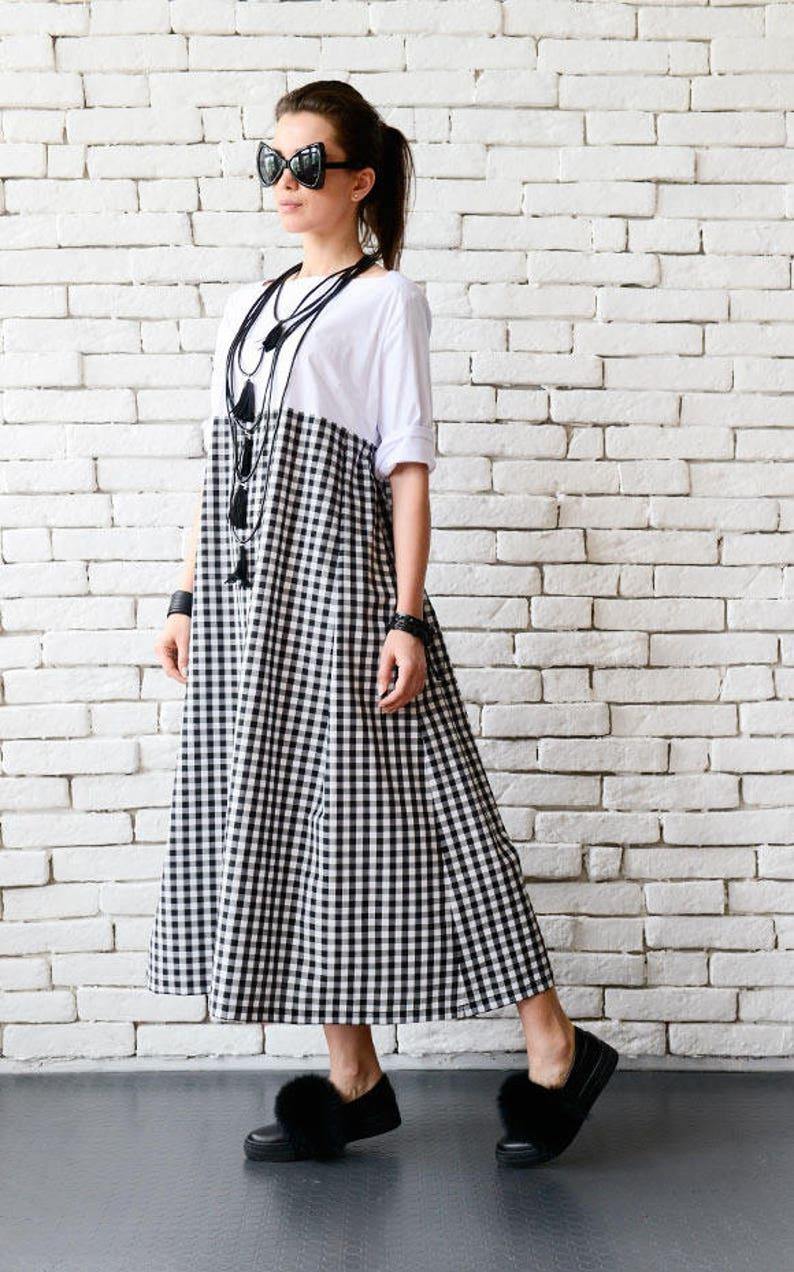 Plus Size Maxi Dress/Long Loose Kaftan/Black and White image 0