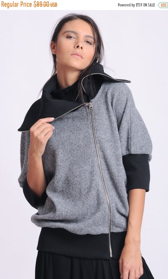 25% OFF NEW Grey and Black Jacket/Oversize Collar Top/Loose Zipper Jacket/Extravagant Tunic with Zipper/Wide Hem Jacket/Loose Black and Grey
