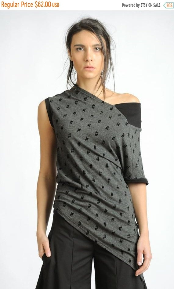 35% OFF Extravagant Patter Top/Asymmetric Casual tunic/One Sleeve Blouse/Grey and Black Open Shoulder Top/Modern Tunic Top/Abstract Pattern