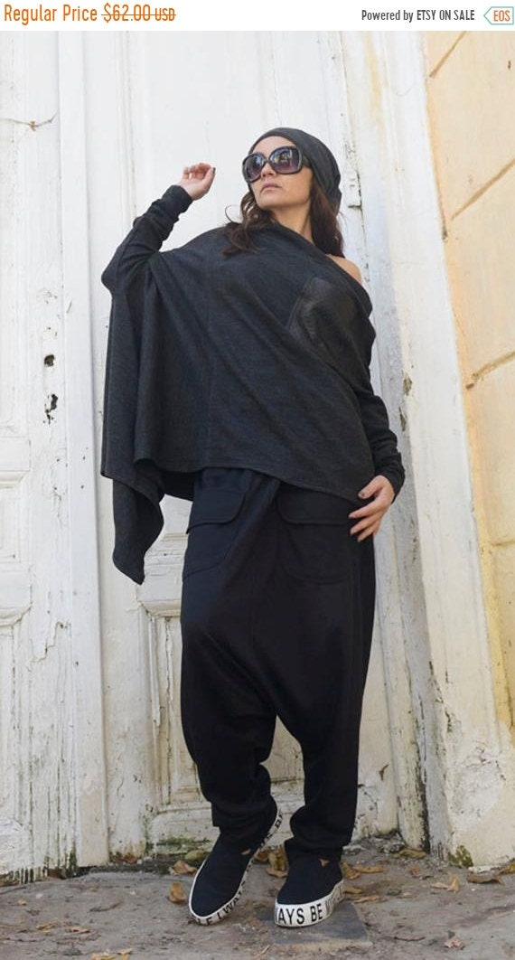 20% OFF Grey Loose Asymmetrical Tunic / Long Sleeve Maxi Top / Black Leather Front Pocket / Plus Size Tunic Top / Grey Maxi Top / Asymmetric