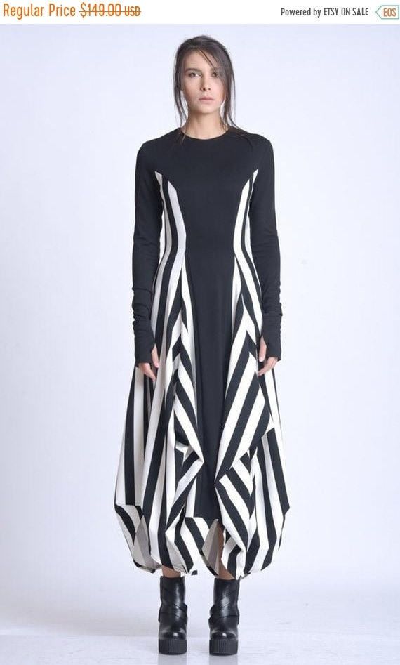 10% OFF NEW Black and White Zipper Dress/Extravagant Vertical Pattern Dress/Long Sleeve Asymmetric Dress/Comfortable Casual Dress/Dress with