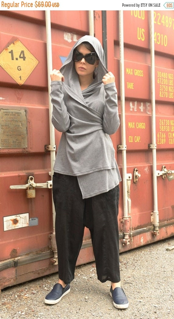35% OFF Asymmetric Grey Loose Top / Casual Hooded Tunic / Long Sleeve Grey Blouse / Oversize Grey Hoodie / Twisted Long Short Top by METAMOR