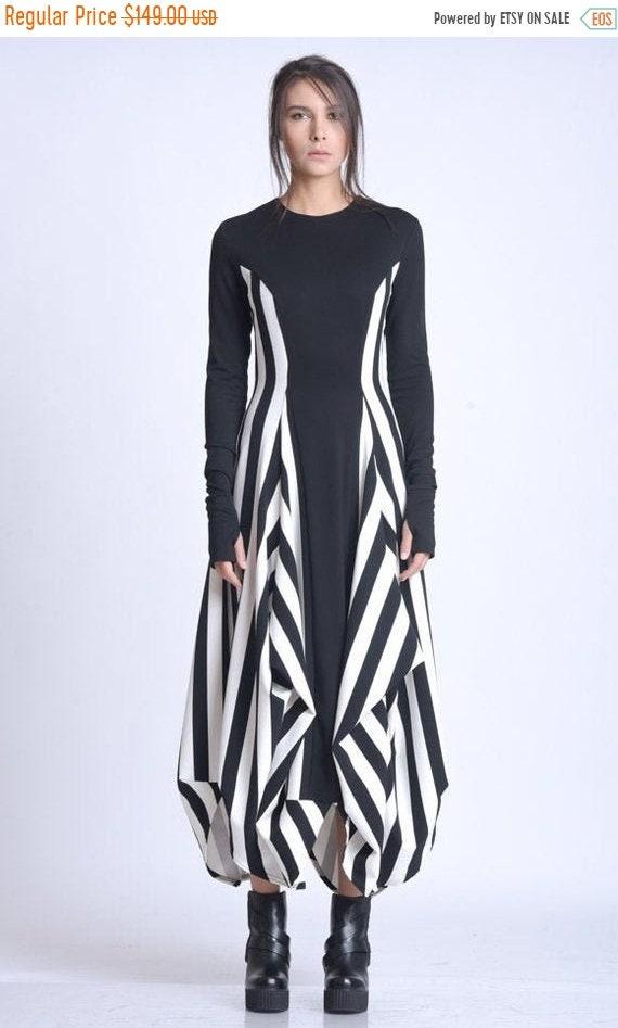 20% OFF NEW Black and White Zipper Dress/Extravagant Vertical Pattern Dress/Long Sleeve Asymmetric Dress/Comfortable Casual Dress METD0139