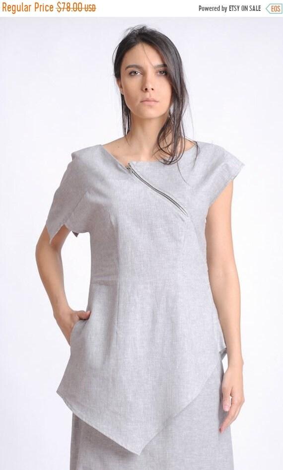 20% OFF Asymmetric Linen Tunic/Short Sleeve Casual Top/Light Grey Blouse with One Pocket/Side Hidden Zipper Tunic Top/Loose Summer Top METT0