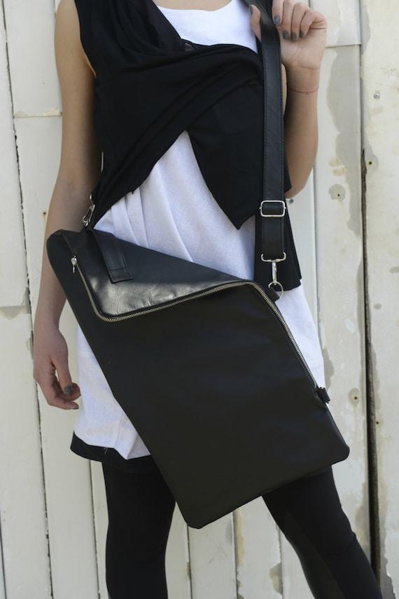 Black Leather Bag / Black Bag with Zipper / Leather School Bag / Over the Shoulder Bag / Casual Bag / Large Tote Bag / by METAMORPHOZA