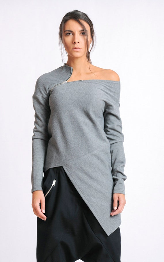 Grey Asymmetric Top/Extravagant Casual Tunic/Long Sleeve Blouse/Open Shoulder Top/Loose Grey Top/Modern Zipper Top/Naked Shoulder Tunic