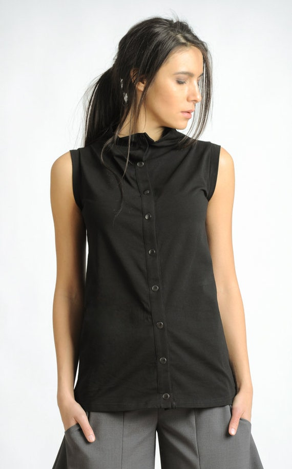 Black Sleeveless Top/Black Studded Blouse/Casual Everyday Black Top/Extravagant Shirt with Metal Studs at the Front/Loose Black Top