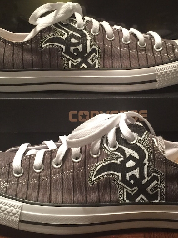 87acf0f6132 Custom hand-painted Chicago White Sox Converse