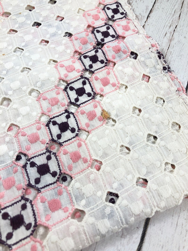Crochet Runner,vintage,home decor,fabrics,hand made,antique,beige and pink,table runner