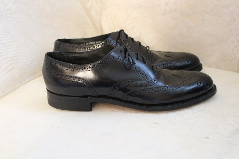 Vintage STAFFORD LEATHER WINGTIP Men Shoes Size 10 B Oxford Made in the usa Hardly Worn All Genuine Leather Classic Black Dress