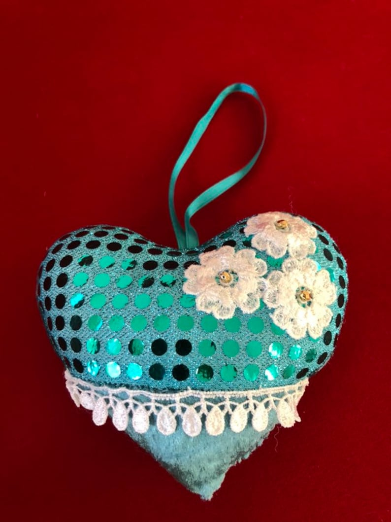 beautiful gift for your love one Mother/'s Day birthday wedding gift home decor handmade ornament Valentines heart ornament