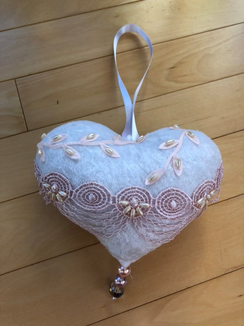 valentines heart Mother/'s Day heart friends heart home decor white heart ornament Hanging heart