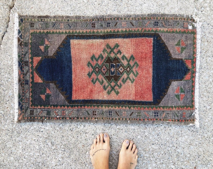 Unique Vintage Turkish Rug / Small Boho Wool Farmhouse Rug 3ft by 1.5ft / Kitchen, Bathroom, Entryway Rug / Blue Pink Nursery Decor