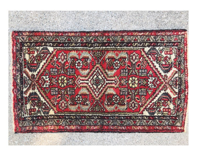 Vintage Farmhouse Style Wool Accent Rug / Hand Knotted Boho Rug / Small 2ft by 4ft Turkish Kitchen, Bathroom, Nursery Rug Decor