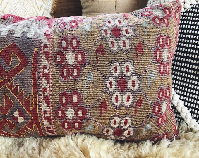 Handmade Kilim Pillow / Vintage Turkish Kilim Lumbar Pillow 12in by 24in / Bohemian Farmhouse Home Decor