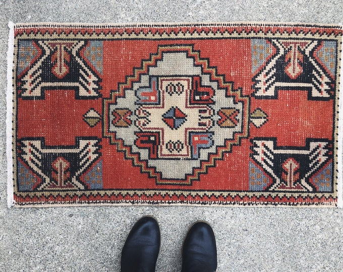 Vintage Hand Knotted Turkish Rug / Small Doorway, Bathroom or Kitchen Rug / Eclectic Boho Farmhouse Rustic Home Decor / 3ft X 1.5ft Rug