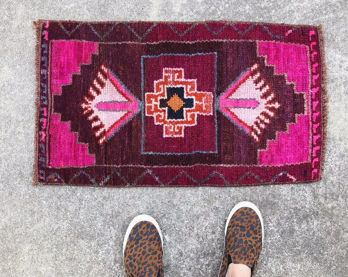 Hot Pink Mini Turkish Rug / Vintage Wool Rug 2.5X1.5ft / Boho Farmhouse Nursery, Bathroom, Kitchen Decor