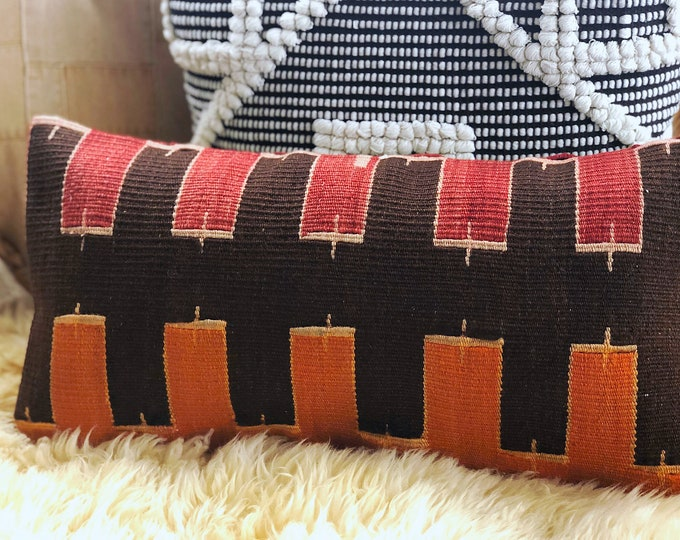 Vintage Kilim Lumbar Pillow / Bohemian Eclectic Home and Office Decor / 10in X 20in Pillow Cover