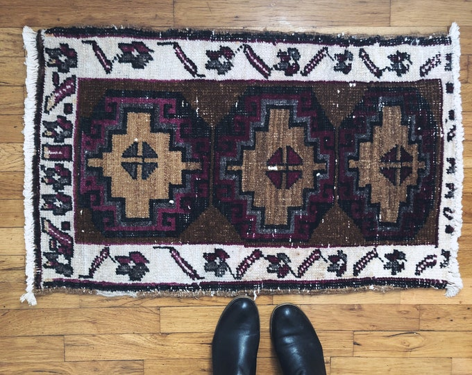 Vintage Purple, Brown and Off White Turkish Wool Rug / Small Kitchen, Bathroom, Entryway Rug / Bohemian Farmhouse Rug Decor / 3ft X 2ft