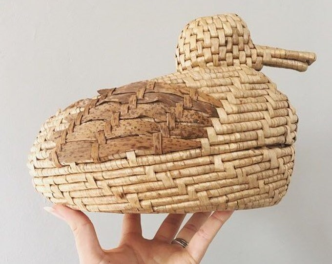 Woven Duck Shaped Basket / Vintage Boho Duck Decor / Farmhouse or Boho Home and Nursery Decor