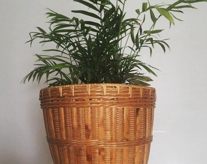 Vintage Woven Basket Planter / MCM Boho Plant Holder / Bohemian or Farmhouse Basket Decor