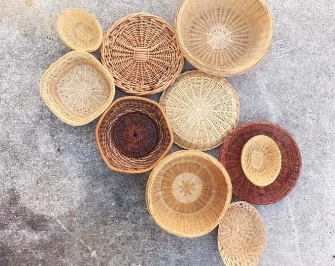 Vintage Basket Wall Collection / Bohemian or Farmhouse Home, Nursery or Wedding Decor / Set of 10 Baskets and Trivets