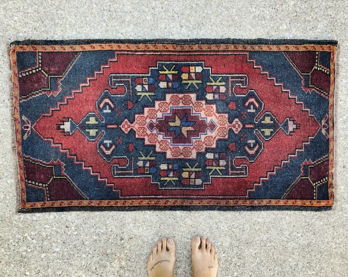 Hand Knotted Vintage Turkish Rug / Boho Farmhouse Wool Rug / 4ft by 2ft Kitchen, Bathroom, Entryway Rug / Fall Home Decor